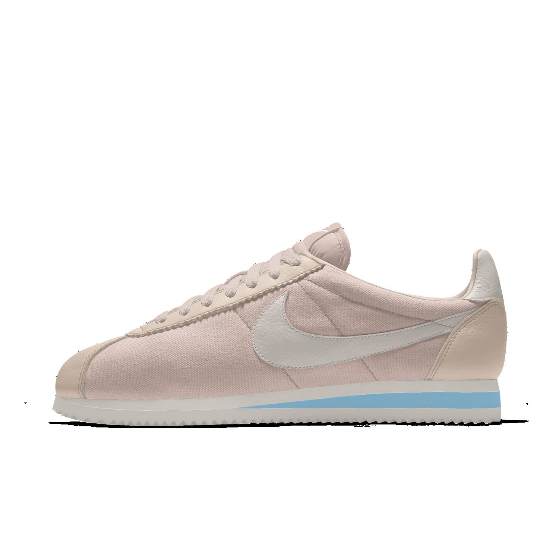 Nike Cortez Premium iD 鞋款。